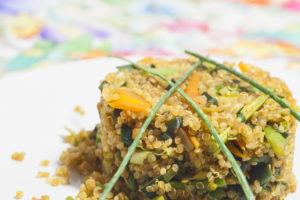 wok de quinoa con trigueros y hortalizas al aroma de manzana sesamo tostado cocina energetica macrobiotica sonia oceransky